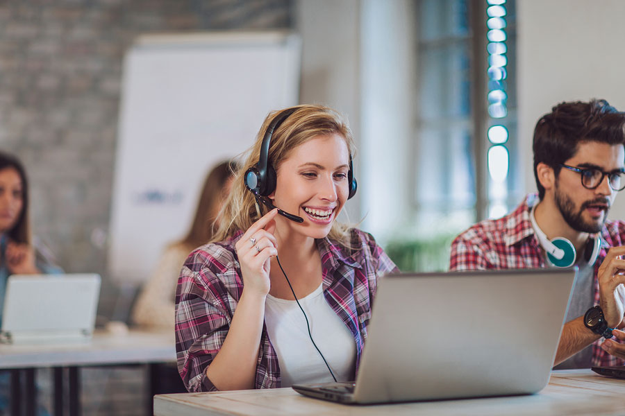 What is the Difference Between Customer Support and Customer Success?